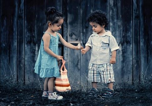 siblings-817369__340